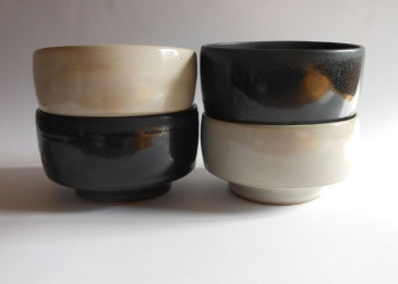 White/Black bowls