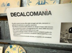 DECALCOMANIA