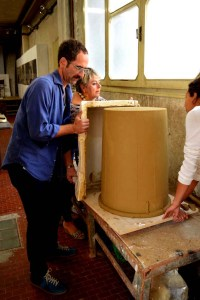 Jonathan, ceramist Aida Bertozzi and students